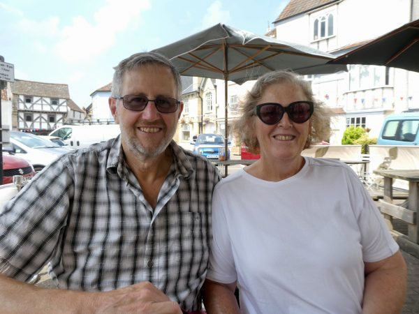 Suzanne and Les from Life at No.22/Global Housesitters