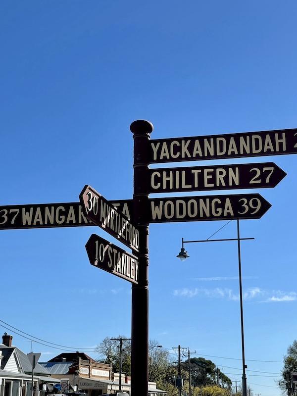 sign in Beechworth